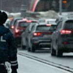 В Москве автомобиль сбил трех человек на пешеходном переходе