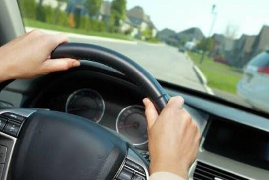 Врач рассказал, чем опасны долгие поездки в машине