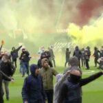 Болельщики сорвали матч между «Манчестер Юнайтед» и «Ливерпулем»