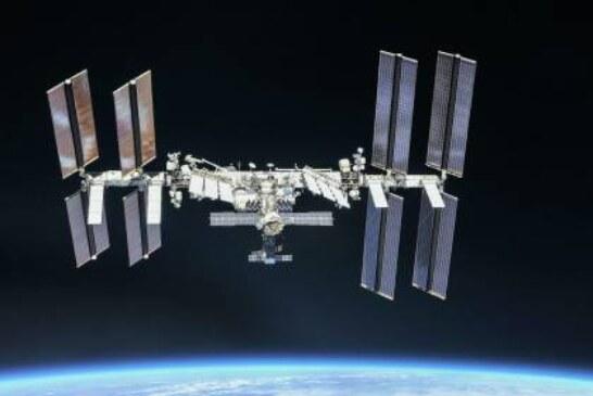 Космический мусор продырявил канадский манипулятор на МКС