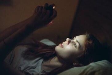 Плохой сон характерен для зависимых от смартфонов людей – исследование